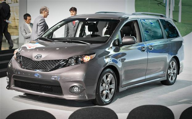 2014 Toyota Sienna Images