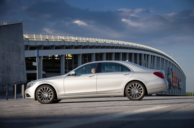 2014 Mercedes S550 Images