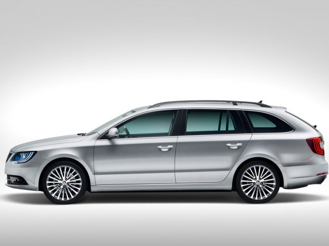 Skoda Superb 2014 Images