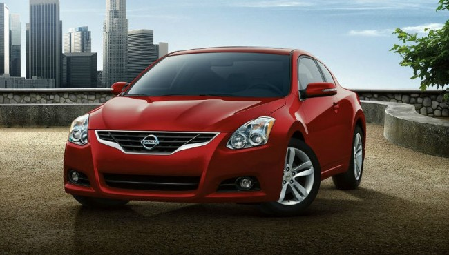 2013 Nissan Altima Coupe Red