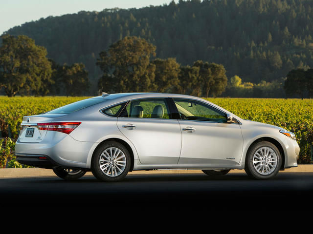 2013 Toyota Avalon Limited Hybrid