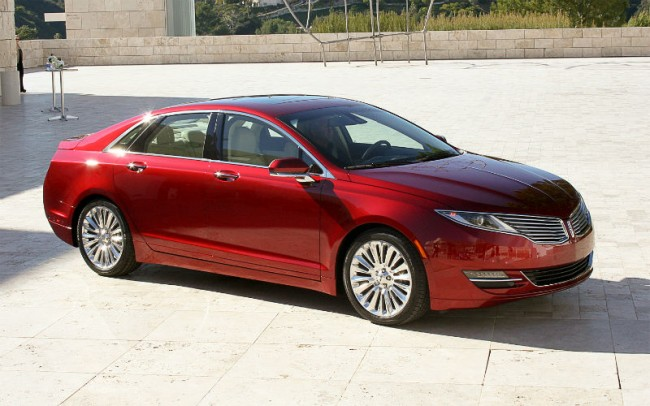2015 Lincoln MKZ Red